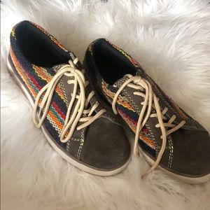 Handcrafted Sneakers, Qhipas, unisex
